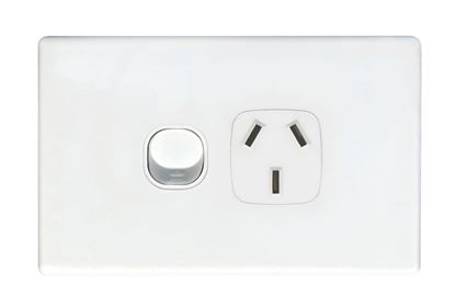 Picture of TRADESAVE Single 10A Horizontal Power Point. Removable Cover.