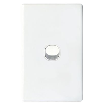 Picture of TRADESAVE Slim 16A 2-Way Vertical 1 Gang Switch. Moulded in Flame